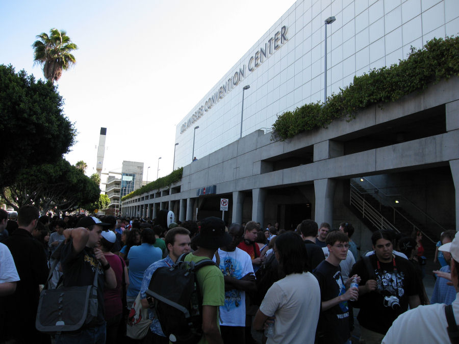Anime Expo 2011 in Los Angeles Waitin10