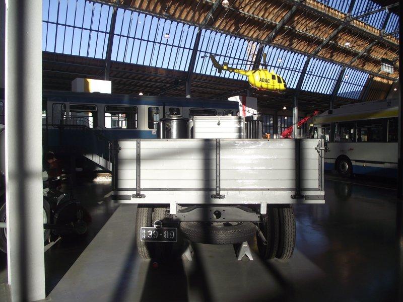 FORD V8 LKW Typ 51 mit Holzgasgenerator 2011_066