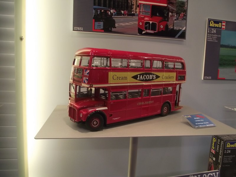 """AEC Routemaster"" - London Bus / Revell 1/24 2011_089"