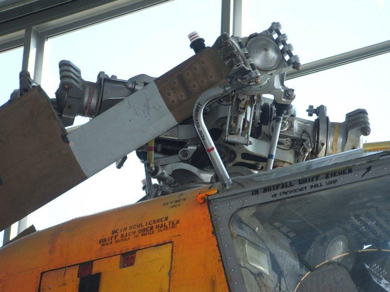 """Bell UH-1C """"Huey"""" Von MRC in 1:35 Dscf3414"""