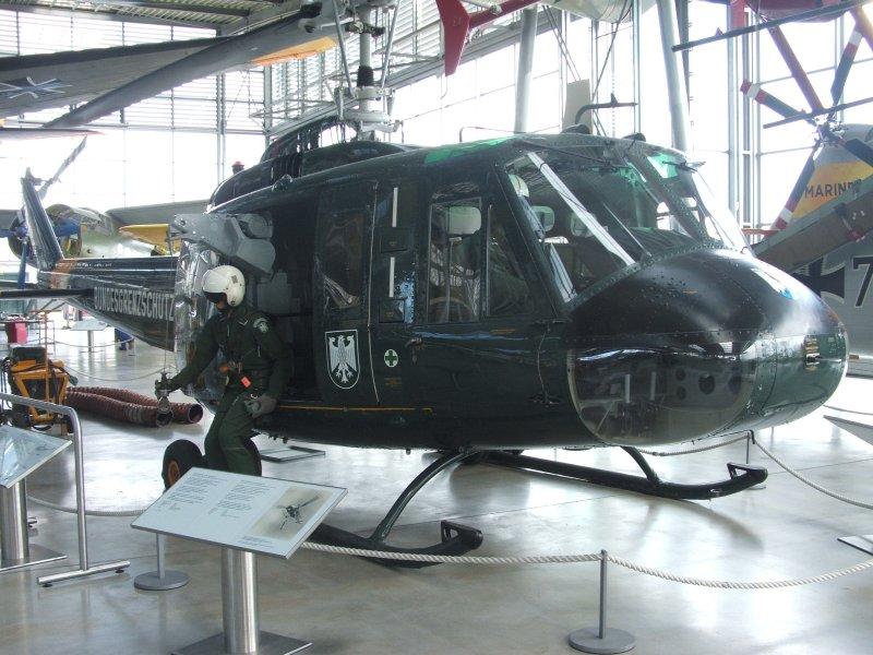 """Bell UH-1C """"Huey"""" Von MRC in 1:35 Dscf5025"""