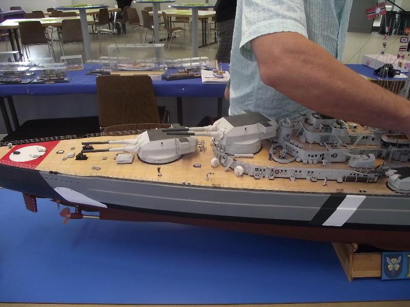 Bismarck 1:100 Karton. Fw120122