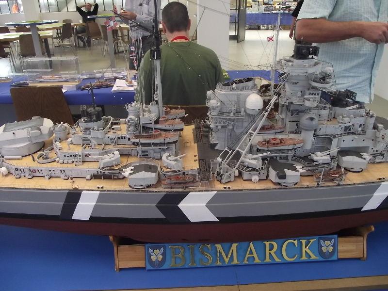 Bismarck 1:100 Karton. Fw120124