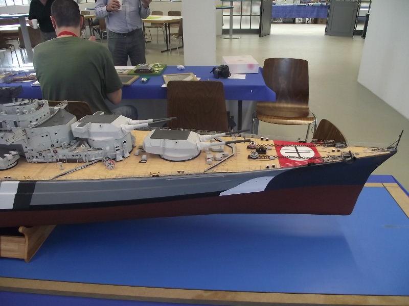 Bismarck 1:100 Karton. Fw120127