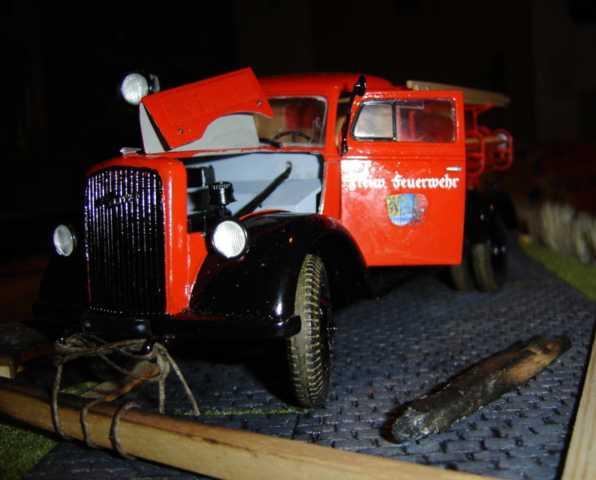 Alte Feuerwehr von Italeri Dsc00356