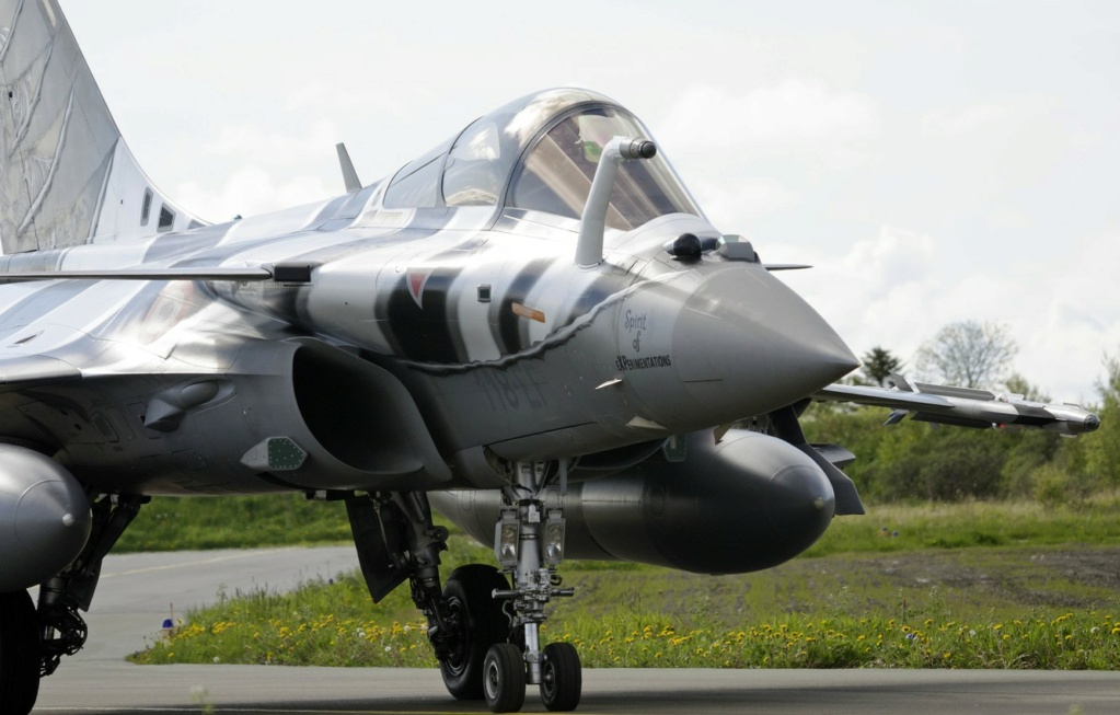 Su-57 Stealth Fighter: News #7 - Page 39 Rafale10