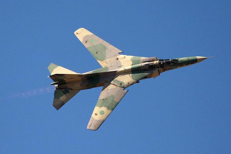 Su-24 Fencer - Page 6 Scale_16