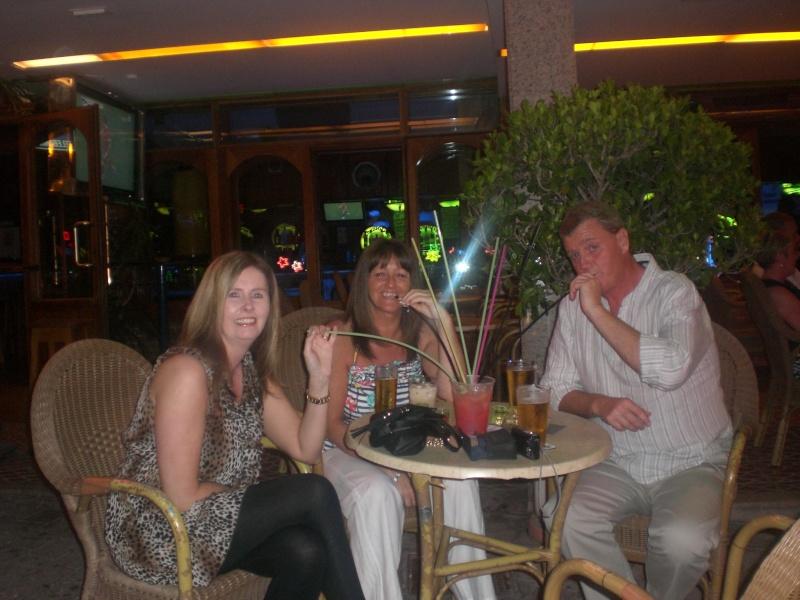Daryn, Debbie, San & Mick's little pub crawl. 14710