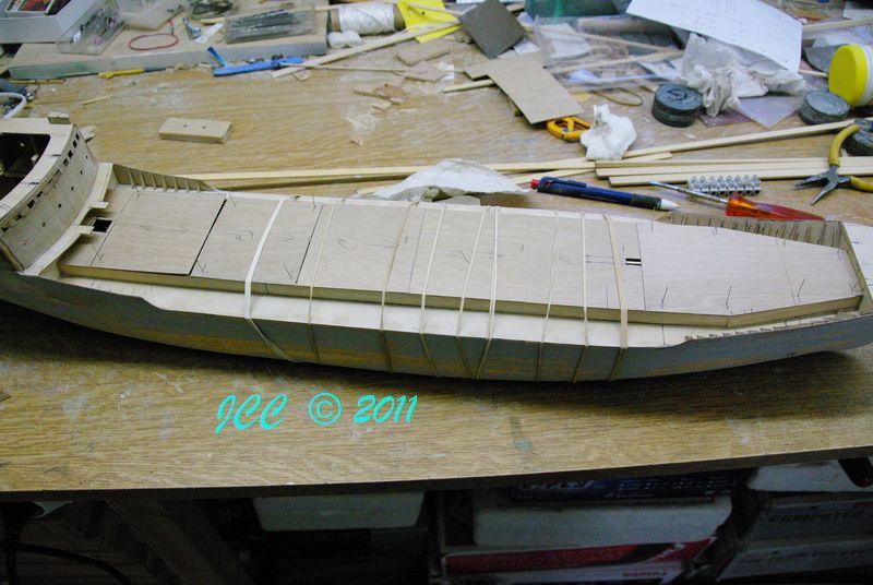 Le Bruly, construction pas à pas d'un petit tanker - Page 2 Imgp4114