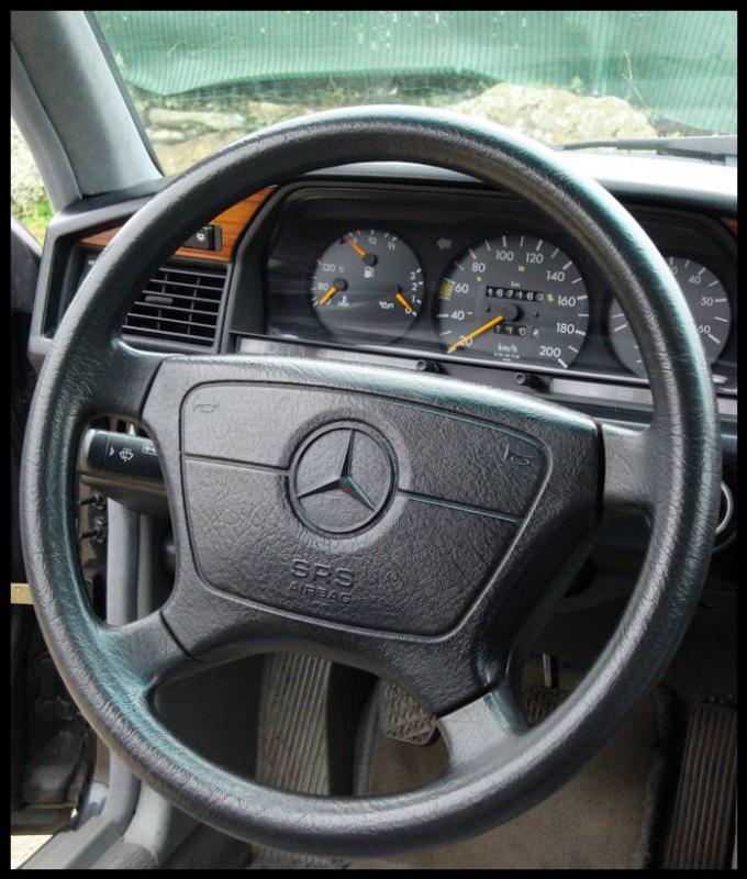 Mercedes 190 1.8 BVA, mon nouveau dailly - Page 6 Volant10