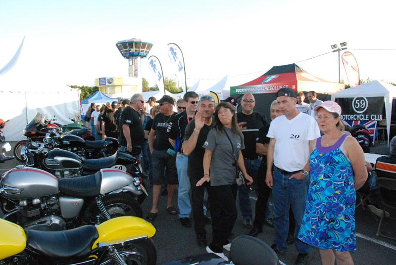 25-26 juin : Vmax Le Club fete ses 20 ans au Circuit Carole. - Page 12 Dsc_8111