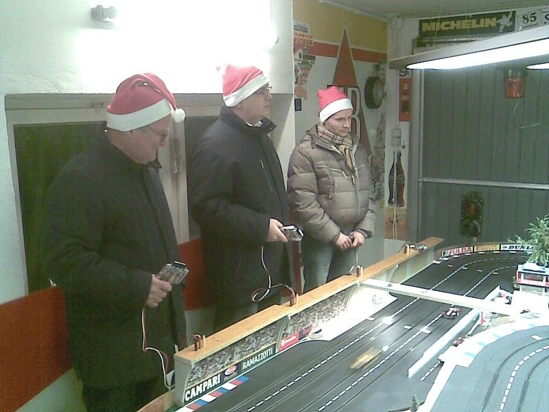 Erstes offizielles Zipfel-Mützen-Rennen am 23-12-2011 Slot1w10