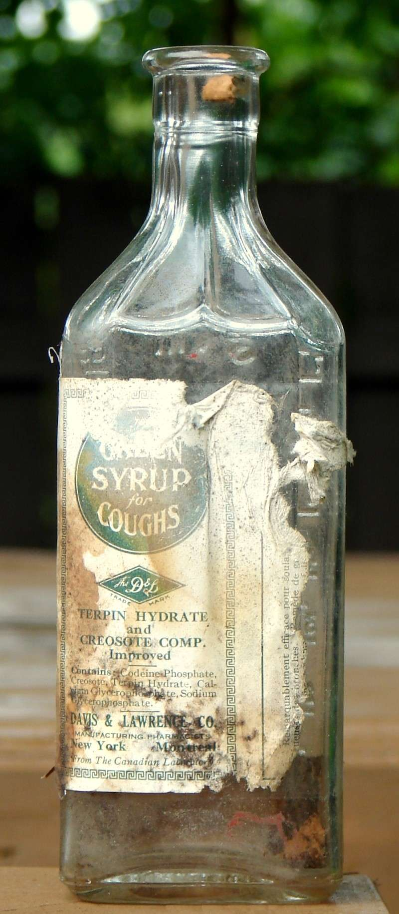 Green syrup for coughs de Davis & Lawrence Green_10