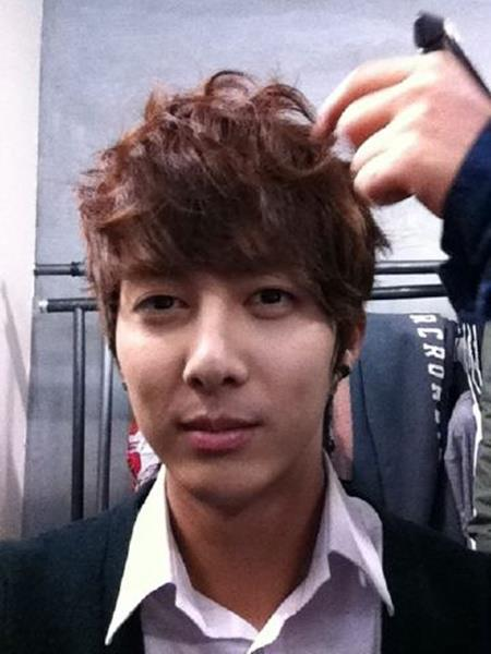 [article] Hyung Jun, blame the excessive schedule? 'I am so tired' (20.11.11) 31458510