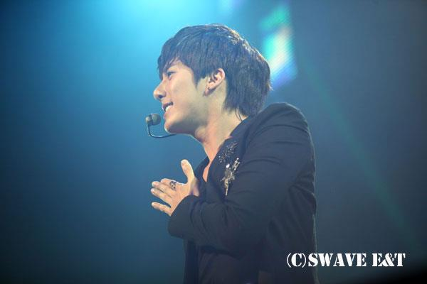 [photos] More Photos of Hyung Jun 2012 1st Story in Japan 2012.04.06 & 2012.04.07 Sw510