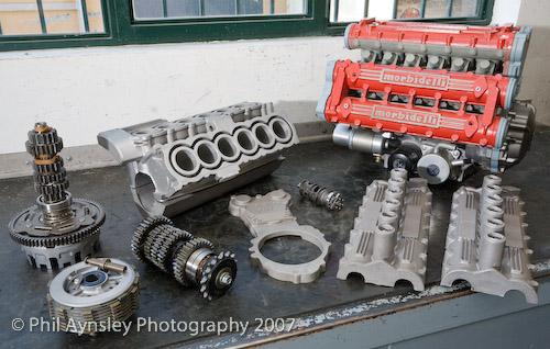 les plus beaux moteurs - Page 4 24684410