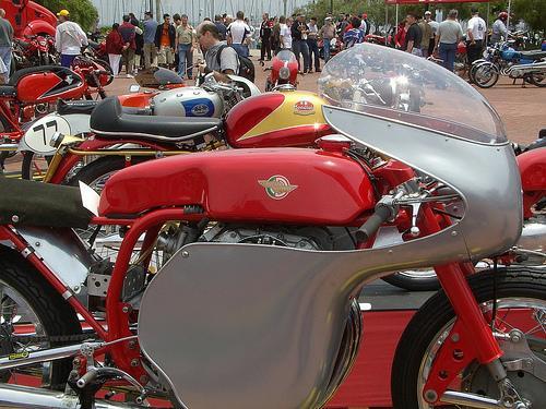 "Ducati 250 Tre Alberi ""John Surtees"" 250-de10"