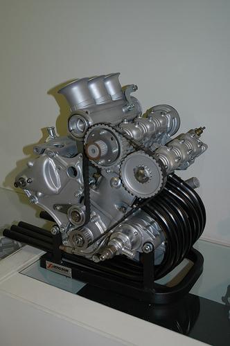 les plus beaux moteurs - Page 2 350-du10