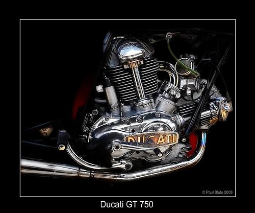 les plus beaux moteurs - Page 4 52802810