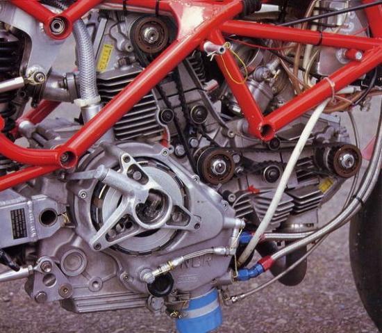 les plus beaux moteurs - Page 4 60635410