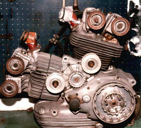 les plus beaux moteurs - Page 4 93584710