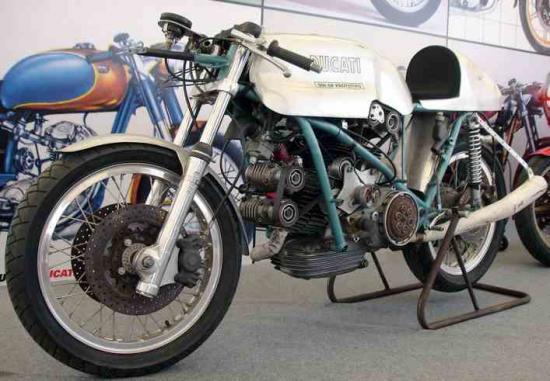 les plus beaux moteurs - Page 4 98994210