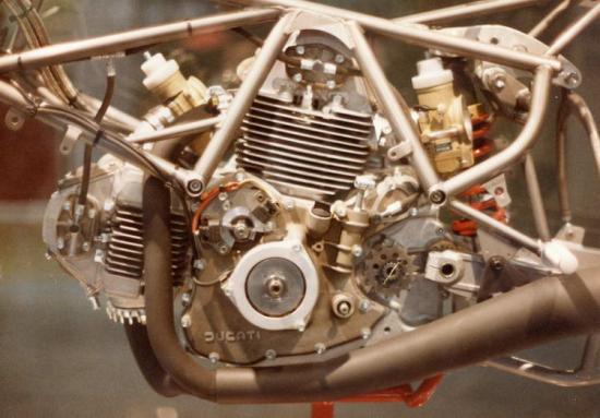 les plus beaux moteurs - Page 4 99588910