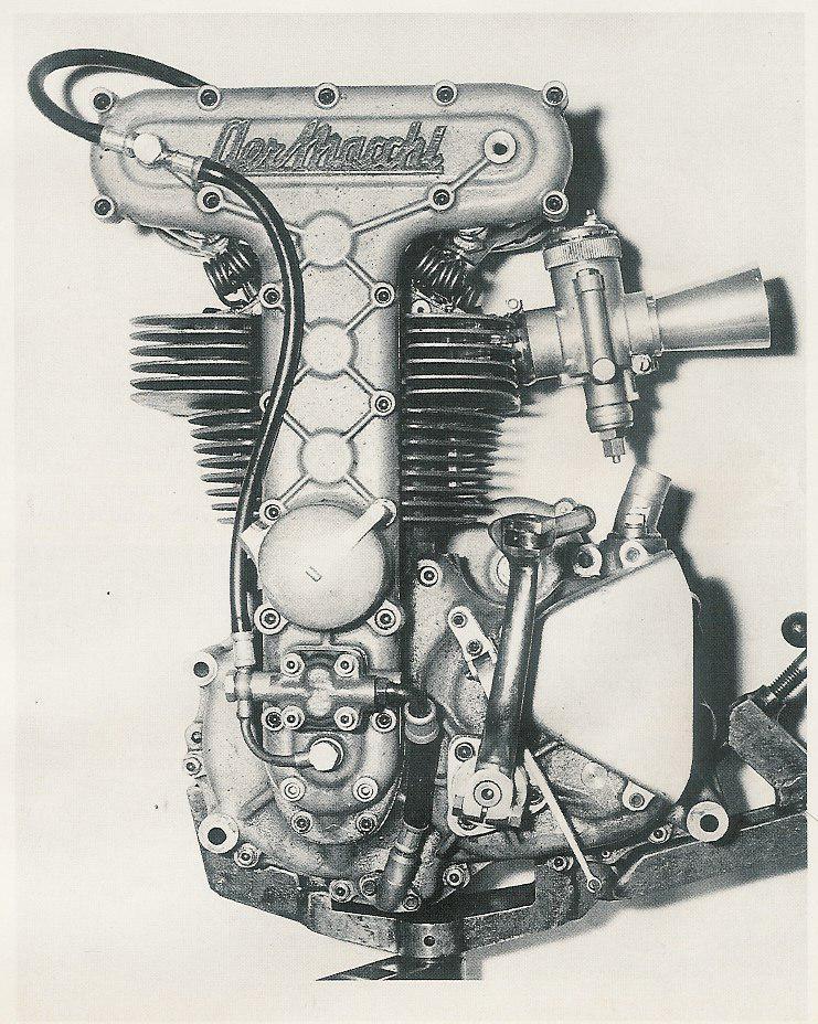 les plus beaux moteurs - Page 6 Aermac25