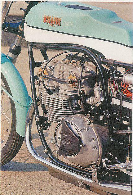 les plus beaux moteurs - Page 6 Arturo11