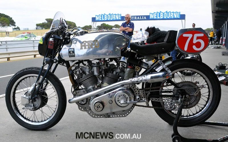 HRD Vincent Racer Dsc_0010