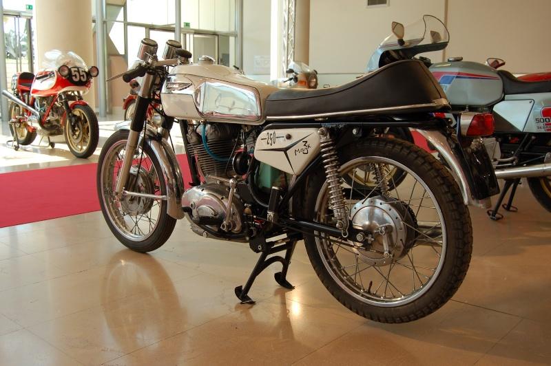 Ici on balance les Monos Ducati - Page 4 Dsc_0222