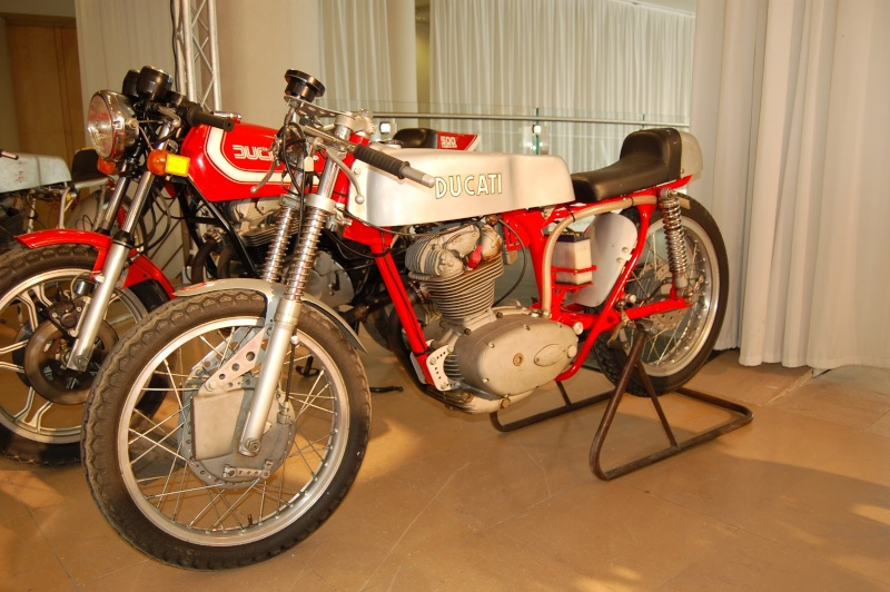 Ici on balance les Monos Ducati - Page 4 Dsc_0229