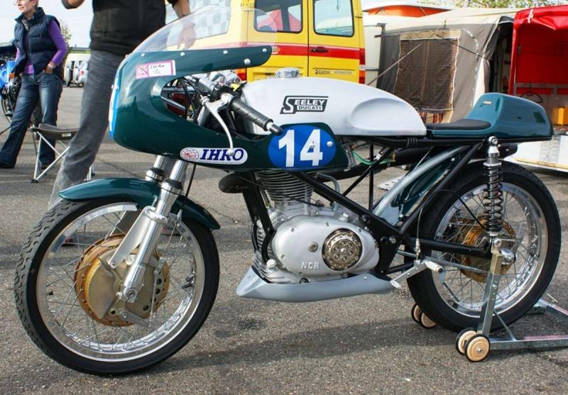 Ici on balance les Monos Ducati - Page 4 Ducat140