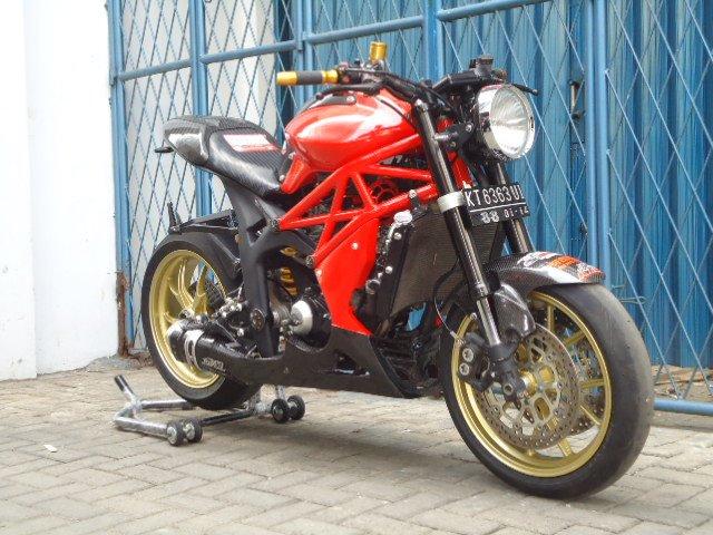 Biteuza Ducatr12
