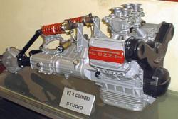les plus beaux moteurs - Page 4 Guzzi-10