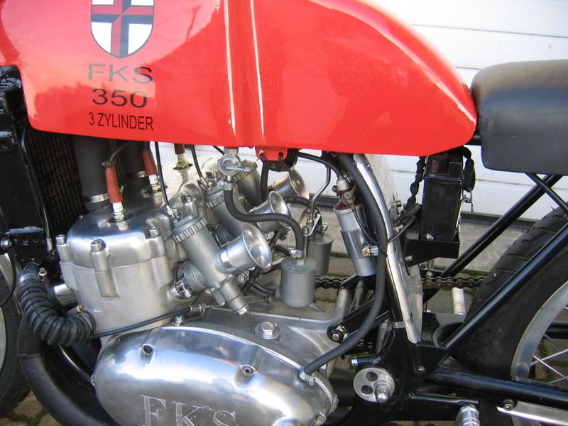 les plus beaux moteurs - Page 2 Img_3511