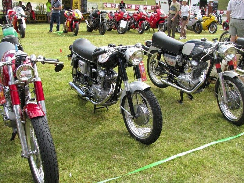 Ici on balance les Monos Ducati - Page 2 Img_4212