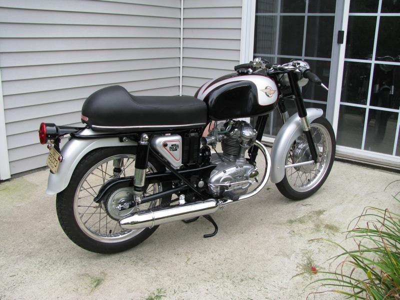 Ici on balance les Monos Ducati - Page 4 Img_4214