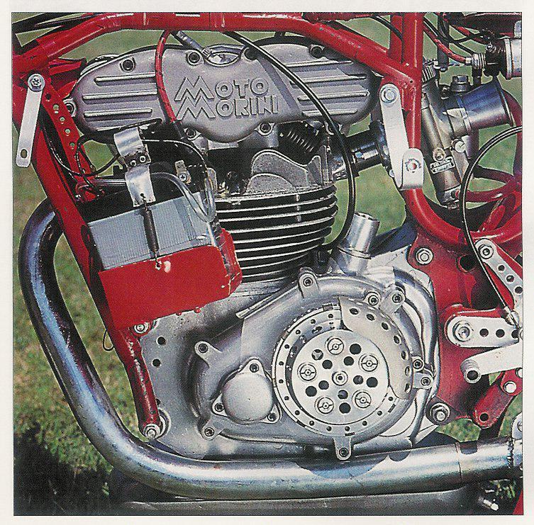 les plus beaux moteurs - Page 6 Moteur14