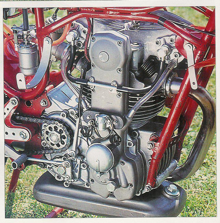 les plus beaux moteurs - Page 6 Moteur15