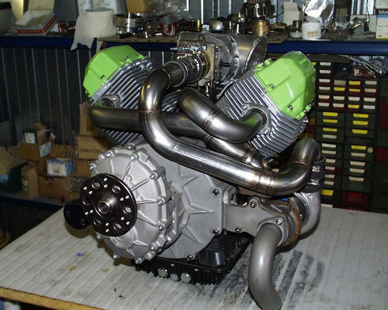 les plus beaux moteurs - Page 4 Motore10
