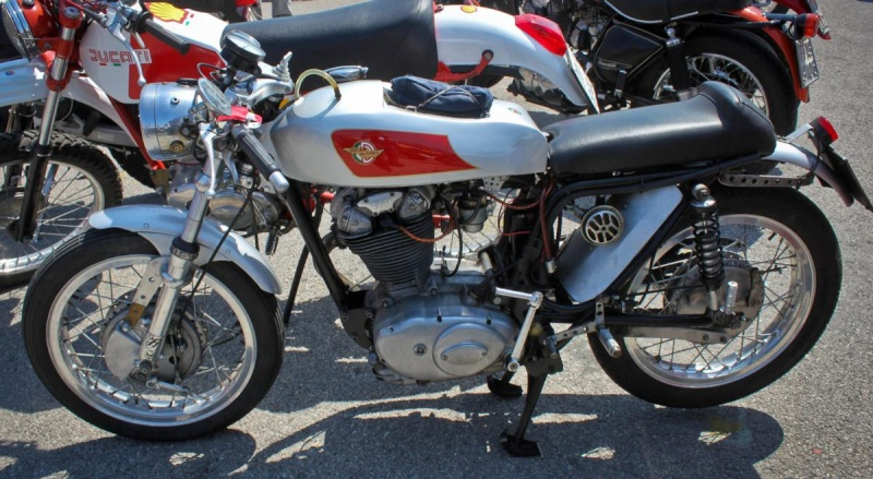 Ici on balance les Monos Ducati - Page 4 Ottone39