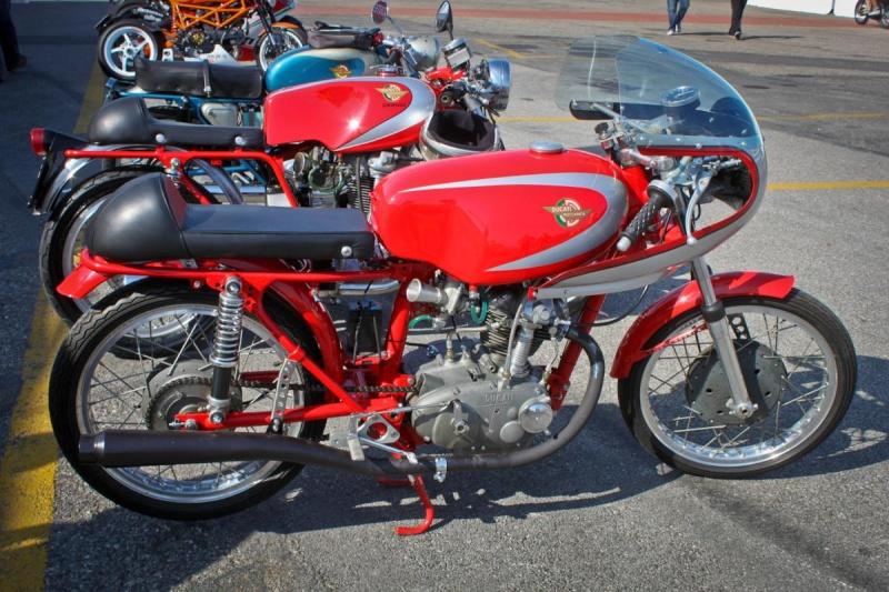 Ici on balance les Monos Ducati - Page 4 Ottone44