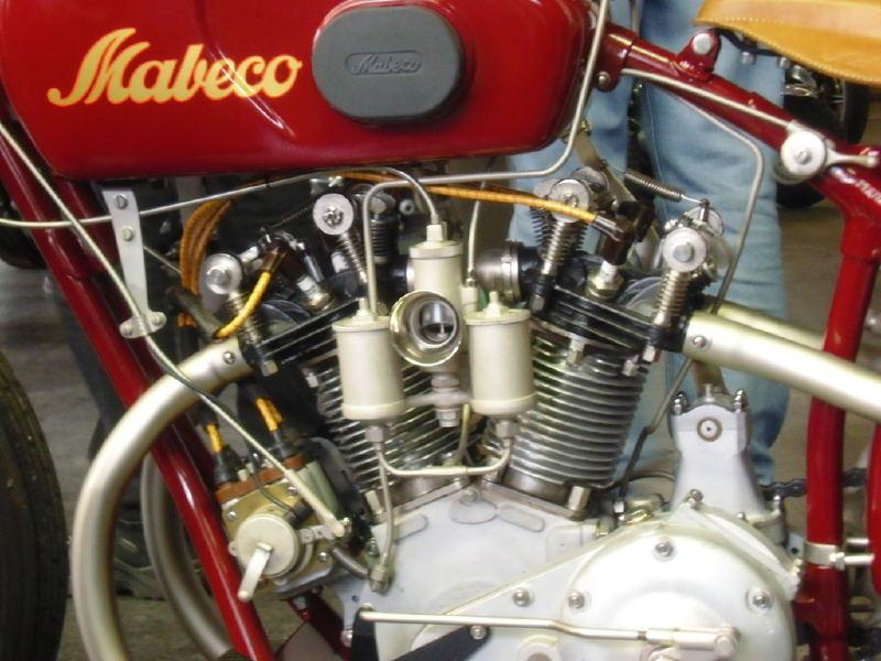 les plus beaux moteurs - Page 5 Paulfo10