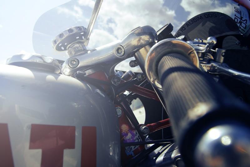 Ici on balance les Monos Ducati - Page 4 Street35