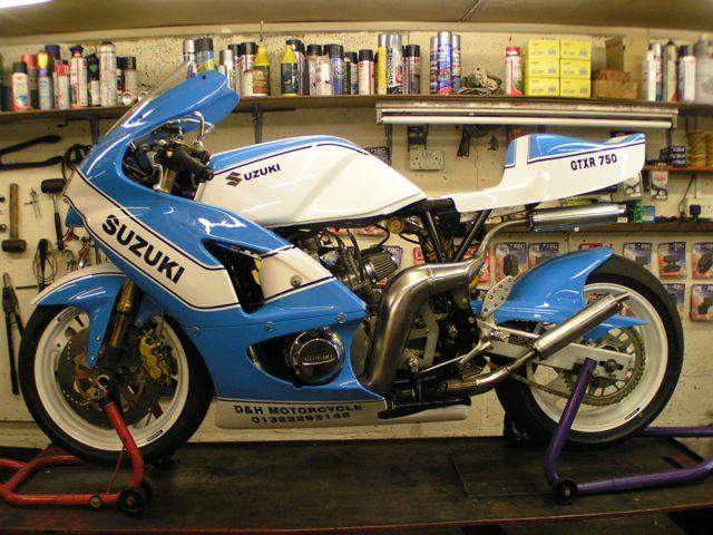 750GTXR project Suzuki28