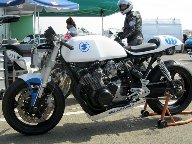 White Bandit Suzuki47