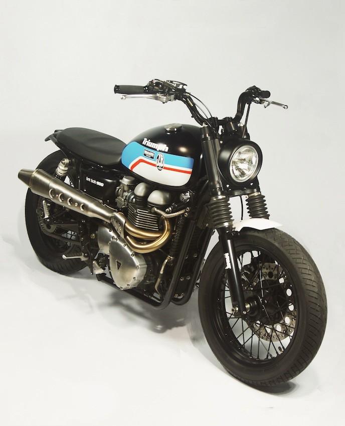 Brit Bob 900 Triump25
