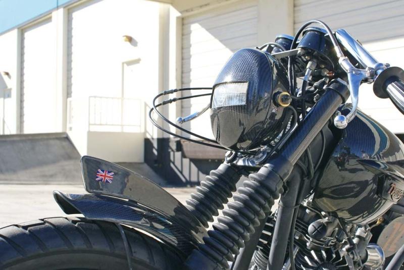 Triumph Bobber carbone Underg13