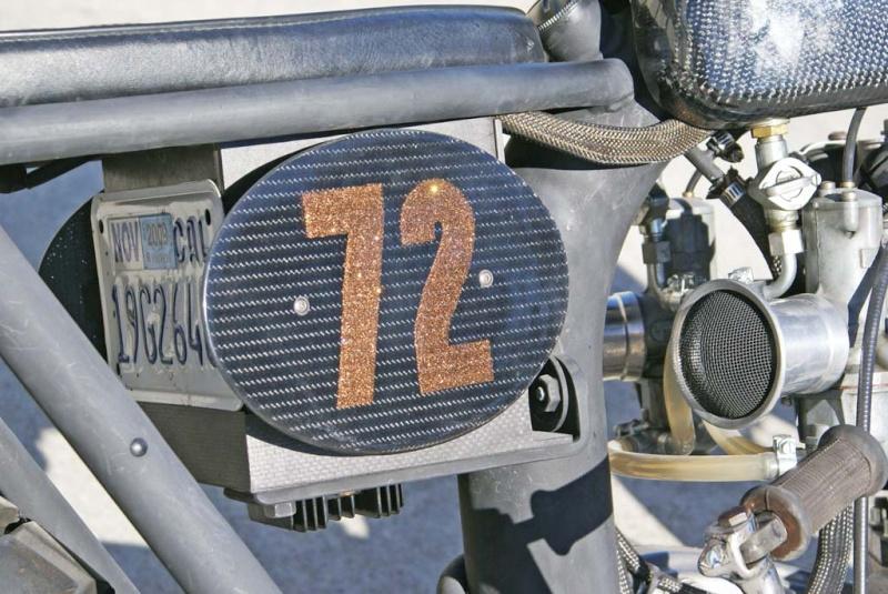 Triumph Bobber carbone Underg14